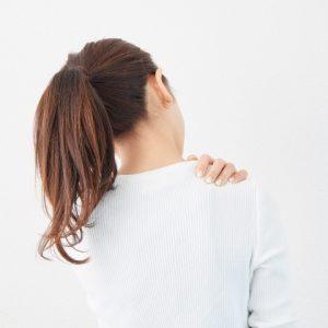 肩こり改善ヨガ LAVA 効果 首こり 頭痛 ホットヨガ